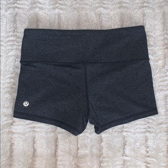 Lululemon Boogie shorts size 4